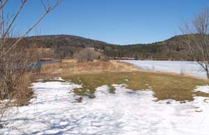 Isthmus between Ottauquechee River and Dewey's Mill Pond (photo by Webmaster)