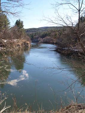 Ottauquechee River, downstream from the island that's at the base of the gorge (photo by Webmaster)