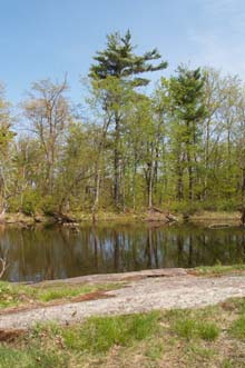 Red Rock Pond (photo by Webmaster)