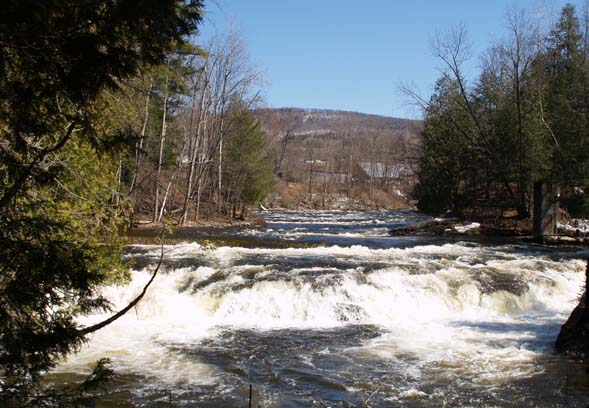 Waterfalls on Moose River at the second bench (photo by Webmaster)