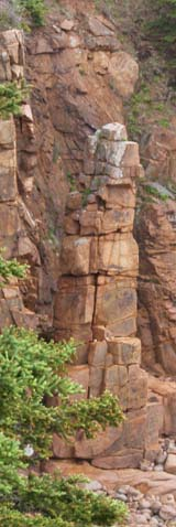 A sea stack on an ocean-and-mountain hike in Acadia National Park (photo by Webmaster)